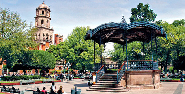 Turismo en toda la ciudad de queretaro turismo en for Jardin 7 colores bernal